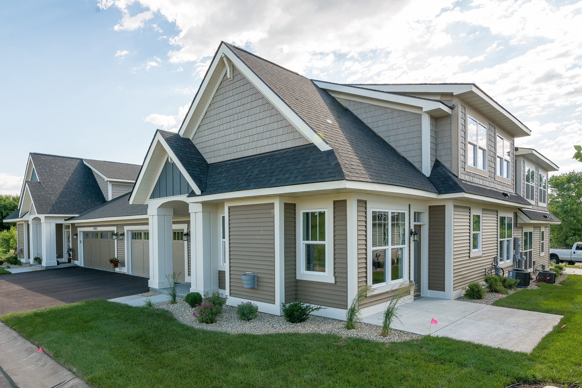 Outside View of Carrigeen Townhomes In Rosemount MN